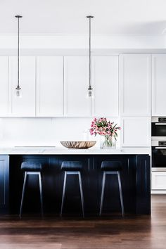 designed by Tonka Andjelkovic photography by MareeHomer Black Kitchen Cabinets A Black Kitchen Cabinets Andjelkovic black cabinets Designed kitchen MareeHomer Photography Tonka Refacing Kitchen Cabinets, Black Kitchen Cabinets, Black Kitchens, Home Kitchens, White Cabinets, Kitchen Black, Kitchen Counters, Kitchen Cabinets No Handles, Staining Cabinets