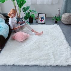 Uni Bedroom, Diy Apartment Decor, Cheap Carpet, Room Planning, Bedroom Carpet, Room Decorations, Plan Design