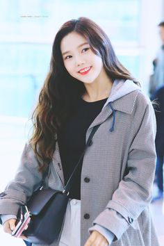 #hyojung #ohmygirl 181031 ICN Departure (to Taiwan)