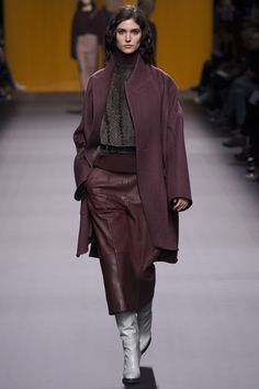 http://www.vogue.com/fashion-shows/fall-2016-ready-to-wear/hermes/slideshow/collection