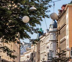 Kultiges in der Neubaugasse! Such Und Find, Vienna, Austria, Light Bulb, Travel, Vintage Trucks, Central Station, New Construction, Sunday