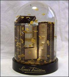 LOUIS VUITTON snow globe