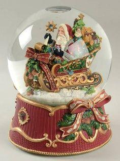 Fitz & Floyd Florentine Christmas (Giftware) Musical Water Globe