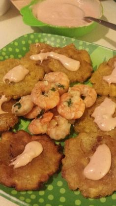 Buttery cilantro garlic shrimp n tostones with mayo ketchup