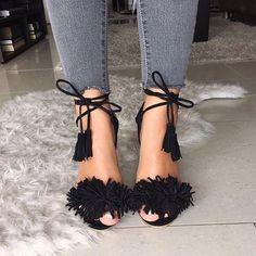 tüylü siyah ayakkabı