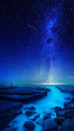 Its my world by Goff Kitsawad. Relax with this nature photo. Night Sky Wallpaper, Wallpaper Space, Scenery Wallpaper, Landscape Wallpaper, Blue Galaxy Wallpaper, Beautiful Nature Wallpaper, Beautiful Sky, Beautiful Landscapes, Nature Pictures