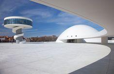 Una de las localizaciones de la peli!!  Centro Niemeyer de Avilés