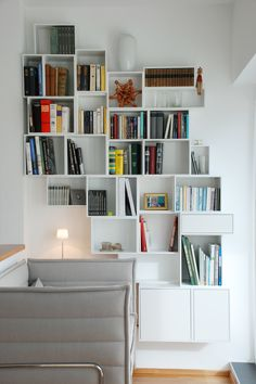 Individuell erweiterbare Bibliothek - weiß   Individual library for your home - white   Bibliothèque extensible individuellement - blanc