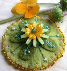 Felt Flower Pin by Skippingstones on Etsy