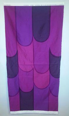 "Marimekko Fabric NOSTOSILTA Isola 1967/2009 Purple Fuchsia 27""L x 58""W Remnant PU02"