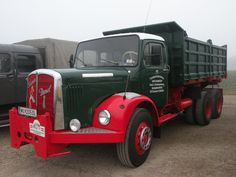 •♥• Saurer Diesel  •1♥ #Saurer_Diesel | 3.OÖ Nutzfahrzeug-Veteranen-Treffen St. Valentin 2014 Beitragvon Helmut P. am 14. September 2014, 08:47  H. Mannsbart Dump Trucks, Old Trucks, Classic Trucks, Classic Cars, Diesel, Benne, Rescue Vehicles, Busses, Vintage Bicycles