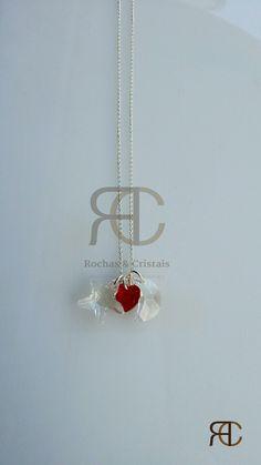 Colar  com fio prateado e estrela, lua e coração em cristal swarovski - Rochas e Cristais