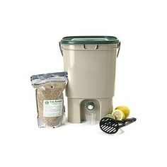 Bokashi compost bin - tan & green