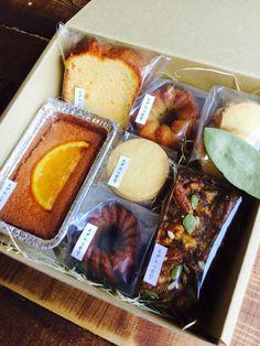 むぎわら食堂〜ごはんとお菓子のお店〜 Bread Packaging, Dessert Packaging, Bakery Packaging, Cookie Packaging, Food Packaging Design, Delicious Desserts, Yummy Food, Sweet Cooking, Christmas Food Gifts