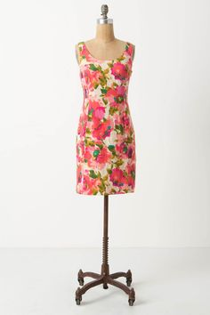 Floral shift dress from Anthropologie #summer #dress #floral #DefineMyStyle #SummerOfStyle