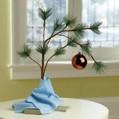 Musical Charlie Brown Christmas Tree... I want this for my dorm!