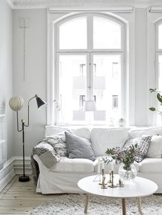 Soft and cozy apartment (Daily Dream Decor) Small Living Rooms, Home Living Room, Living Room Decor, Cozy Living, Living Furniture, White Apartment, Cozy Apartment, Apartment Interior, Apartment Living