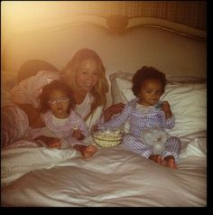 Mariah Carey y sus gemelos. / Mariah Carey and the twins. Mariah Carey Twins, Famous Celebrities, Celebs, Steve Perry, Family Movie Night, Celebrity Kids, Pajama Party, Pop Culture, Cute