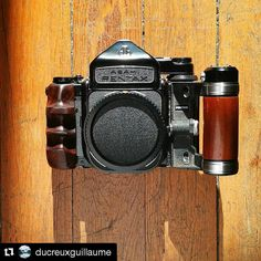 #Repost Thank you @ducreuxguillaume Beautiful right hand grip for awesome camera! Thank you @snapu for your work and your passion. Pentax 67 at his best! Review soon in Japan and article with @120lovefilm. #snapu #120love #woodgrip #pentax67 #grip...