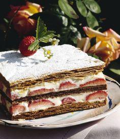 Milhojas de nata y fresa