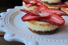 Keto Mini Cheesecakes via @tasteaholics
