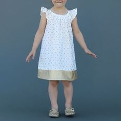 Super sewing for kids clothes little girl dresses flutter sleeve Ideas Sewing Patterns For Kids, Sewing For Kids, Free Sewing, Clothing Patterns, Little Girl Dresses, Girls Dresses, Baby Dresses, Long Dresses, Dress Tutorials
