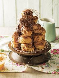 Salty caramelpufs: an African-French lunch South African Dishes, South African Recipes, Ma Baker, Sweet Bakery, Small Cake, High Tea, Sweets, Snacks, Baking