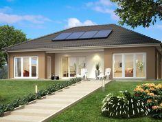Bungalow SH 146 B • Bungalow von ScanHaus Marlow • Barrierefreies Energiesparhaus mit überdachter Terrasse • Jetzt bei Musterhaus.net kostenlos Infos anfordern!