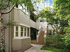 A perennially classy Art Deco apartment in Melbourne