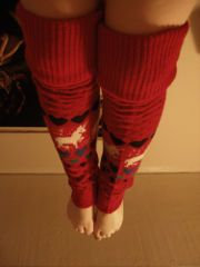 How to make leg warmers from old sweaters! I'm going to make some to wear with my boots ;)
