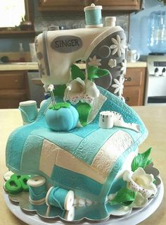My mamaw and my sister would love this cake!