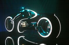 Tron_Light_Cycle_01.jpg (1600×1067)