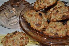 Şekersiz kurabiye meyve kurusu, yulaf ezmesi ve kepekli un ile yapılan çok lezzetli bir tariftir.