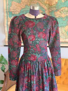Laura Ashley Vintage Dress, Laura Ashley Fashion, Vintage Dresses, Vintage Outfits, Vintage Boutique, 80s Fashion, Sewing Clothes, Cotton Dresses, Corduroy