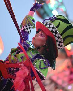 #madttuesday #flamingo #MadT #madtparty #madtpartying #dca #disney #disneyland #disneypark #disneymagic #disneyparks #disneyland60 #disneylanddave #diamondmadtparty #disneylandresort #diamondcelebration #DisneylandPhotography #disneycaliforniaadventure #disneyscaliforniaadventures #brittneecrusheveryday  #stilts #stiltwalker #stiltwalkers  by disneysith