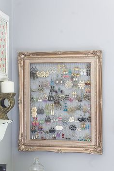 Frame Earing Holder | Don't Throw Away That Broken Picture Frame! Here Are 17 Amazing Ways to Reuse It!