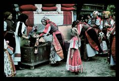 From Körősfő, NHA Néprajzi Múzeum | Online Gyűjtemények - Etnológiai Archívum, Diapozitív-gyűjtemény Old Folk Songs, Folk Music, Folk Costume, Costumes, Austro Hungarian, Fashion Leaders, Sales And Marketing, Folklore, Business Women