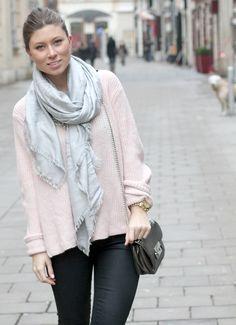 {bikinis & passports} wearing topshop sweater, MK cross body bag & fendy scarf.