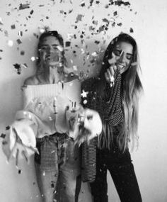 BFF Pictures | Best BFF Pictures For Instagram #bff #pictures #photos #bestie #poses #instagram #ideas Birthday Photography, Party Photography, Photography Poses, Bff Pics, Shooting Photo Amis, Birthday Girl Pictures, Birthday Ideas, Bff Birthday, Birthday Posts