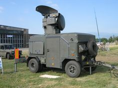 Oerlikon Contraves Skyguard. A towed anti-aircraft fire control system of the Austrian Air Force.