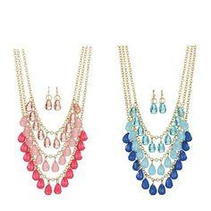 #flirtynecklace #avonjewelry #prettyinpink