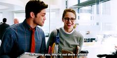 """SuperGirl TV Series winn """"I'm telling you, they're out there - aliens!"""" Kara Denvers """"Winn, there's no such thing as aliens."""" -  Melissa Benoist and  Jeremy Jordan GIFs  For More SuperGirlGifs,Visit: SuperGirlgif.Tumblr.Com and Follow Us !"""