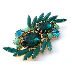 Emerald Green Rhinestone Brooch Pin Vintage The Jewelry Lady's Store ❤ liked on Polyvore featuring jewelry, brooches, vintage costume jewelry, costume jewelry, vintage brooches, pin brooch and vintage pins brooches
