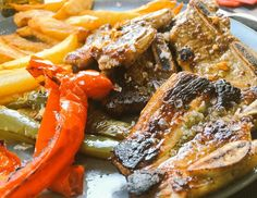 Nos encantan las carnes frescas y con una preparación tradicional. Te esperamos con nuestro menú diario.