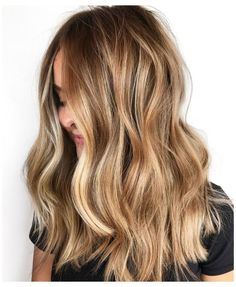 Blonde Hair With Roots, Blonde Hair Looks, Brown Blonde Hair, Caramel Blonde Hair, Dark Blonde Balayage, Red Hair, Brownish Blonde Hair Color, Blonde Caramel Highlights, Honey Blonde Hair Color