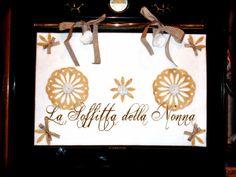 Copriforno in feltro con decorazioni di centrini e rose realizzati tutti a mano in fletro