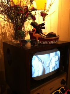 Early Televisions In Homes