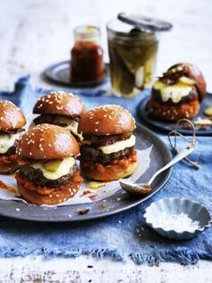 Beef Sliders with bacon, gruyere cheese and pickles with tomato jam on brioche buns. Can Dogs Eat Tomatoes, Tomato Jam, Tomato Sauce, Burgers And More, Beef Sliders, Bacon On The Grill, Good Burger, Burger Recipes, Pickling