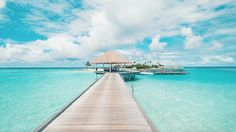 Last week Kane and I stayed atComo Maalifushi, a luxury resort in theMaldives. It was both our first time ever in the Maldives and all we knew about the islands was the heavenly photos we'd seen depicting crystal clear turquoise waters and perfectly white sand. Arriving there was just breathtaking. Even flying over to the...