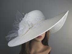 Diese schönen Hut ist für einen besonderen Anlass. Einheitsgröße-Hut. (21,5- 22,5)  Ich habe entworfen und erstellt jedes Stück in meinem shop Alle Stücke sind sicher verpackt & boxed um Schäden/Bruch zu verhindern Vielen Dank für den Einkauf in meinem shop Haben Sie ein großer Tag